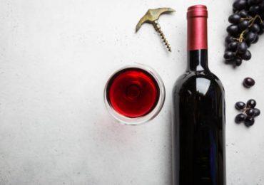 ¿Sabías que una copa de vino puede proteger tu cerebro de la demencia