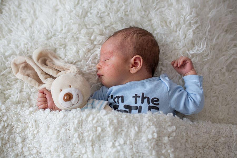 ¿Cómo reconocer los diferentes tipos de dermatitis en mi bebé?