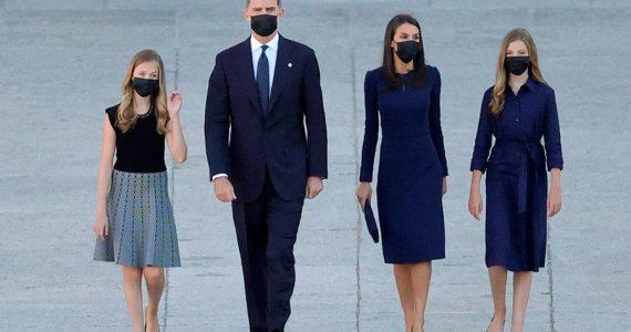 Familia real española en homenaje a víctimas del covid-19