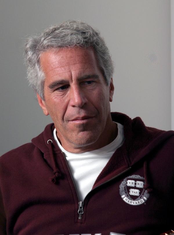 Niegan libertad bajo fianza a la exnovia de Jeffrey Epstein por tráfico de menores
