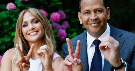 Jennifer Lopez y Alex Rodriguez en discurso