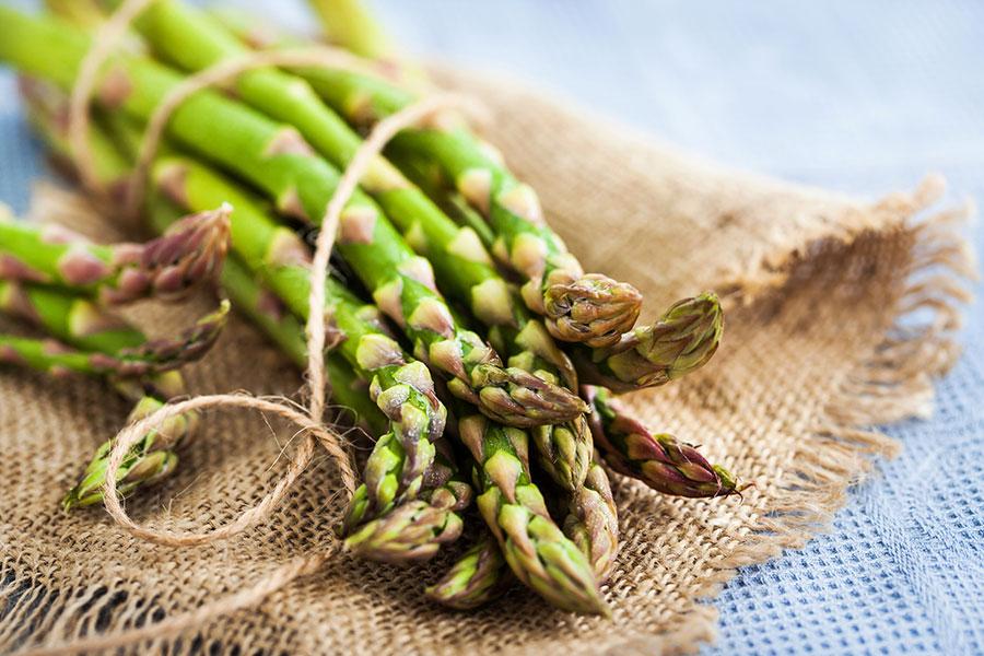 El poder de los alimentos verdes - Espárragos
