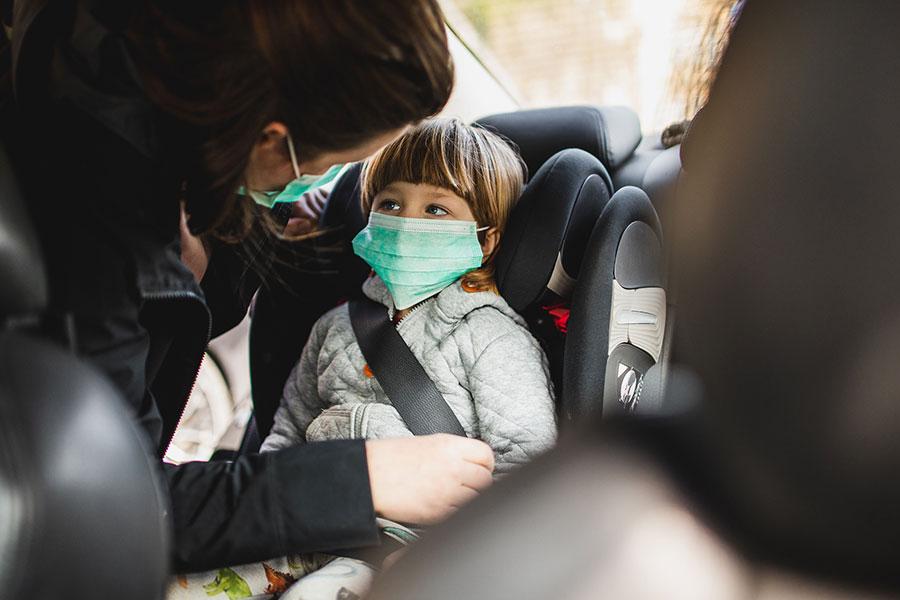 La OMS cree que no se debería exigir que los niños menores de cinco años lleven mascarilla
