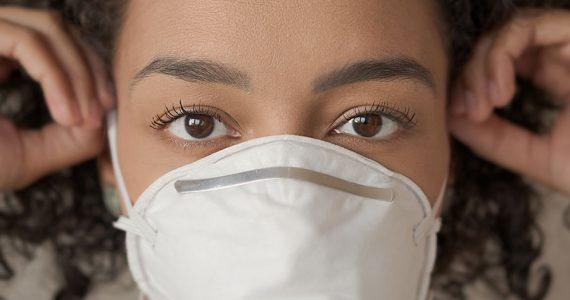 El estrógeno puede disminuir la gravedad de los síntomas de covid-10 en las mujeres, según un estudio