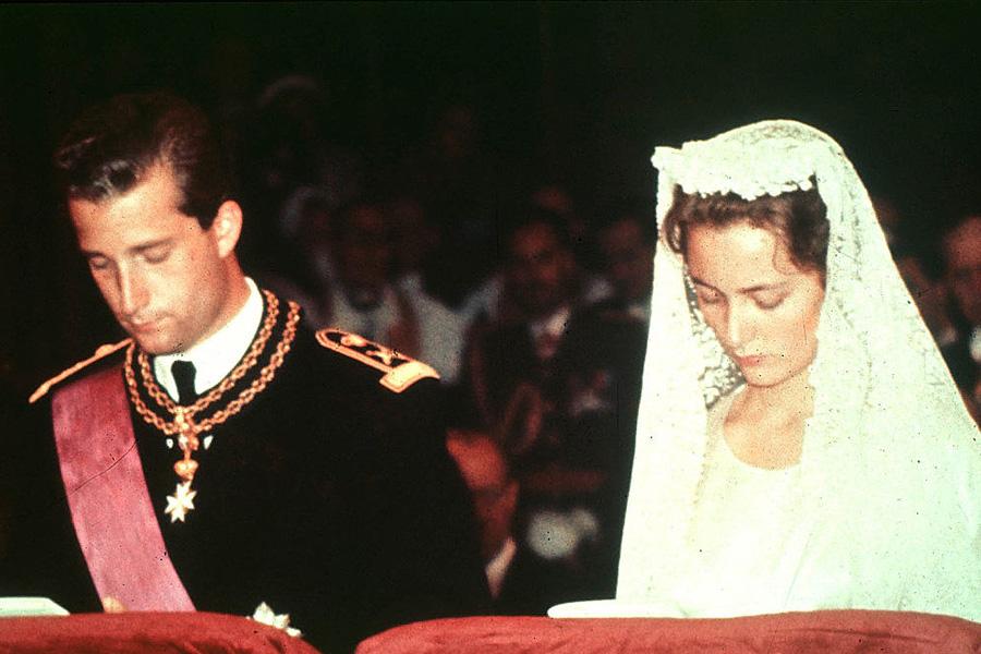 1959: Boda del príncipe Alberto II de Bélgica y la princesa Paola de Bélgica.