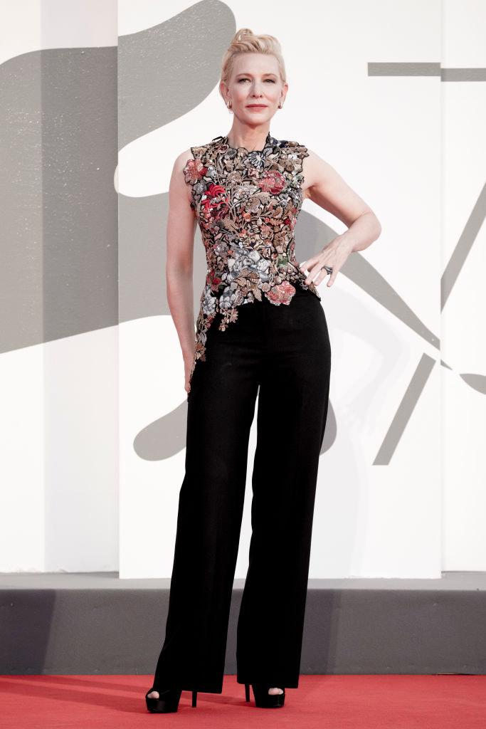 Cate Blanchett en top Alexander Mcqueen