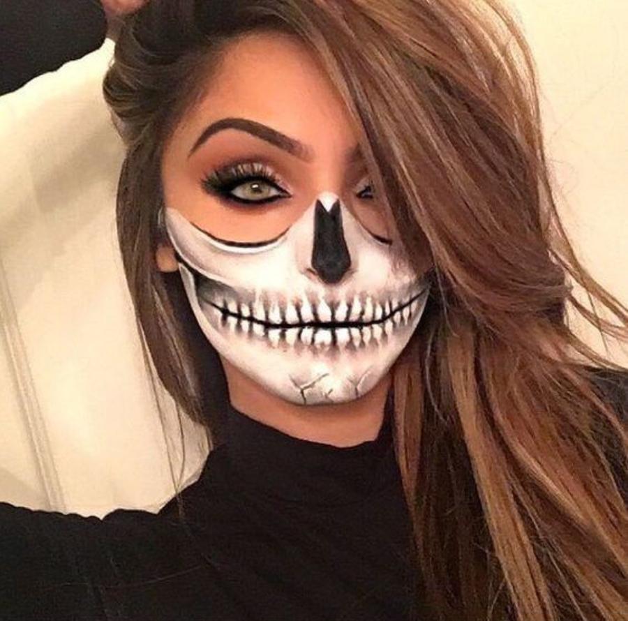 maquillaje de catrina de medio rostro dia de muertos