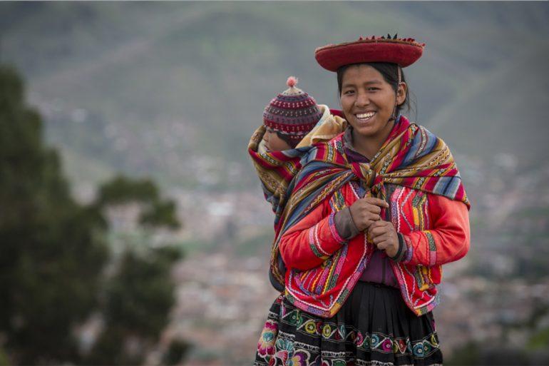Mujer indígena de Perú