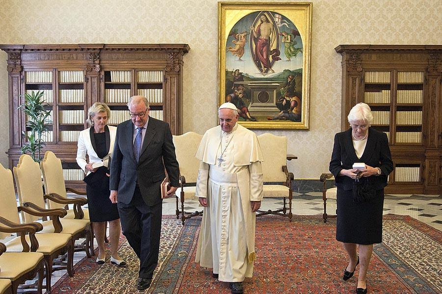El papa Francisco con la reina Paola y el rey Alberto II