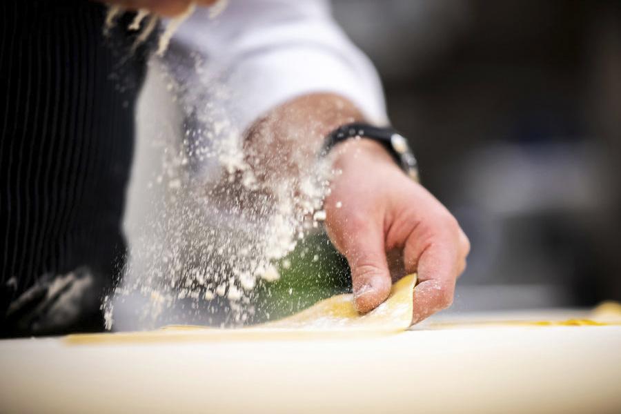 preparando pasta