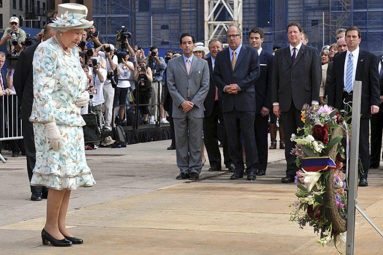 Reina Isabel conmemora el 9/11