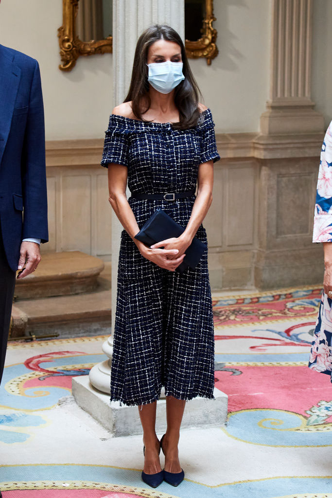reina letizia con vestido zara