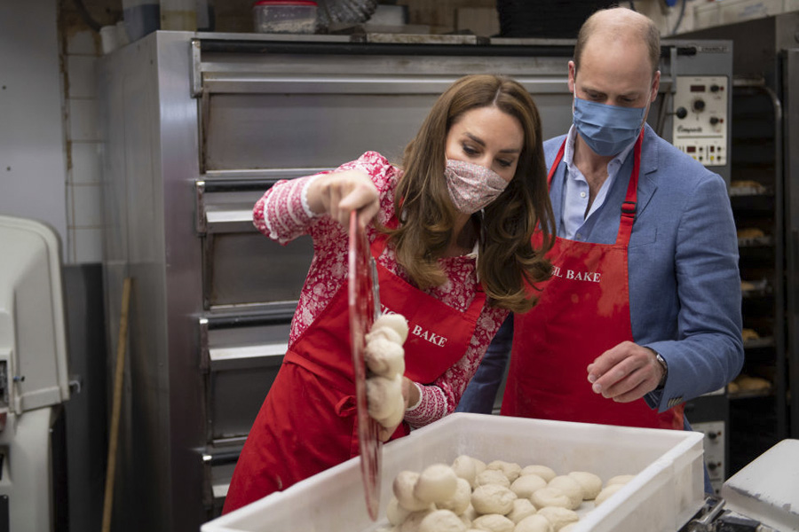 William y Kate haciendo bagels