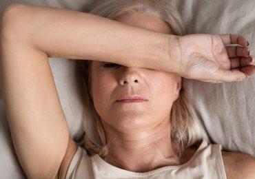 ¿Cómo combatir los sofocos y sudores nocturnos sin hormonas?