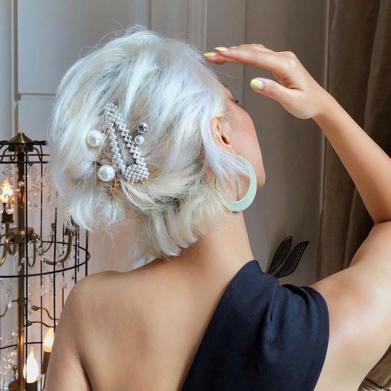 accesorios para peinado para una fiesta elegante