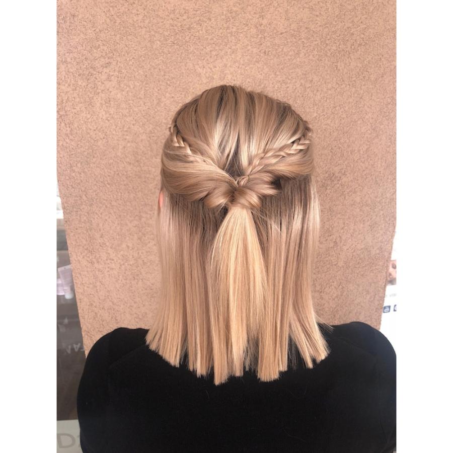 cabello corto y lacio, dos estilos que siempre van de la mano