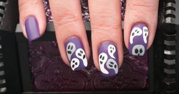 uñas de halloween de fantasmas
