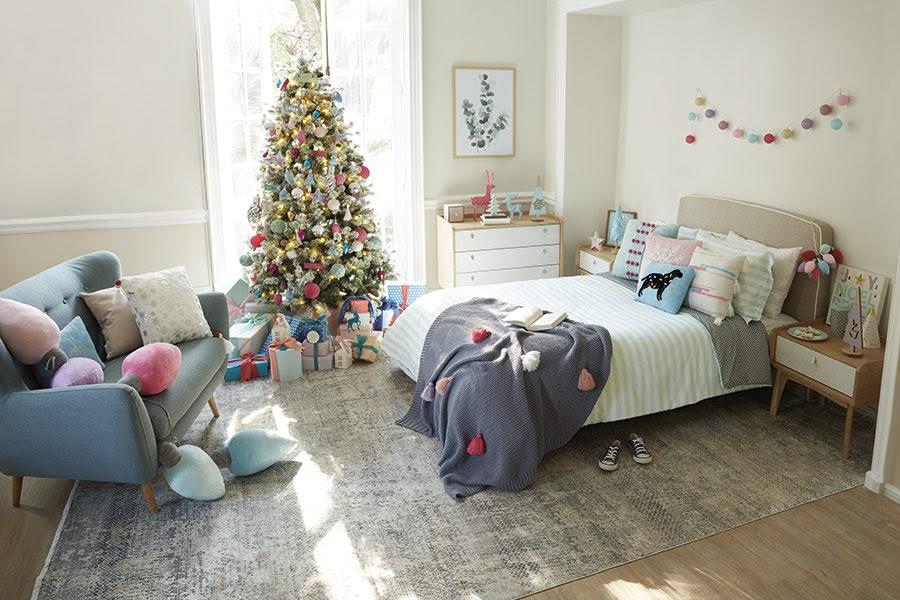 recámara decorada para Navidad