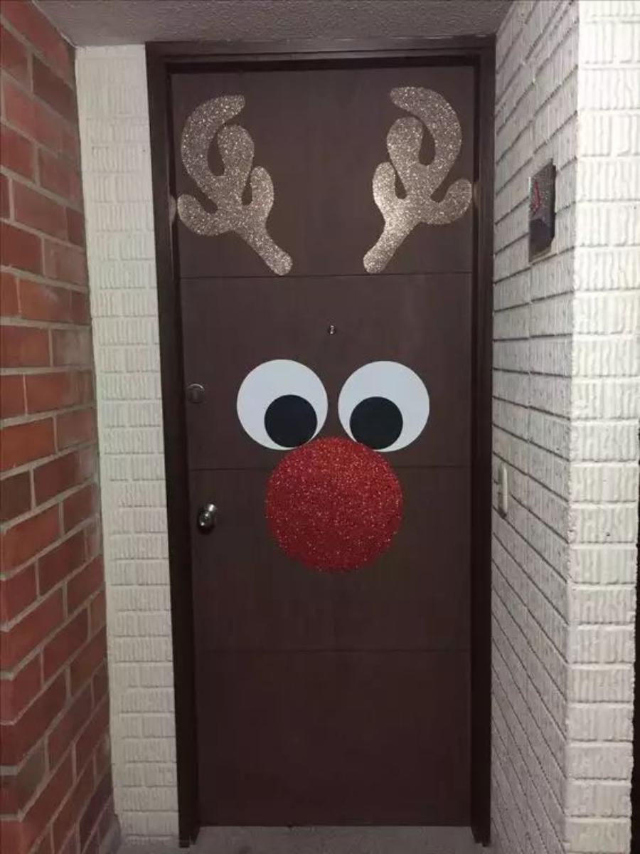 puertas decoradas de navidad reno