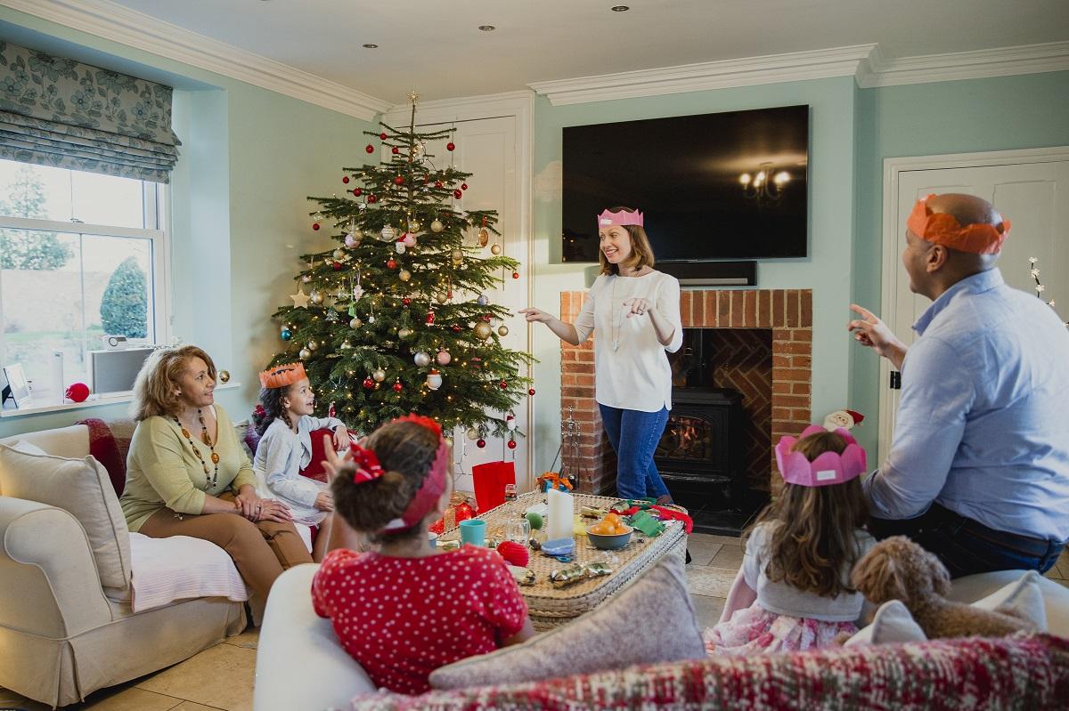 juegos en familia navidad charadas actividades familiares