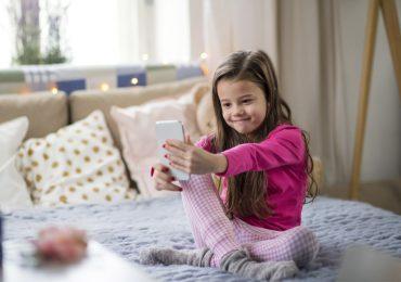 niños con celular