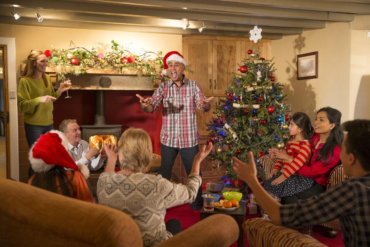 juegos en familia para navidad actividades familiares