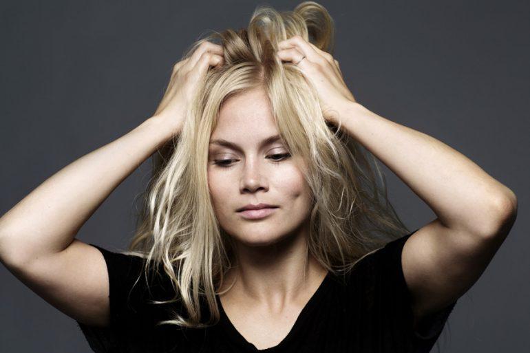 estrés y el pelo mujer