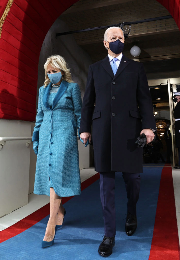 jill biden abrigo moda