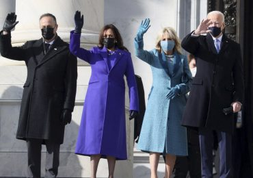 abrigos moda jill biden kamala harris 2021