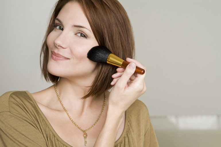 maquillaje pelo mujer piel