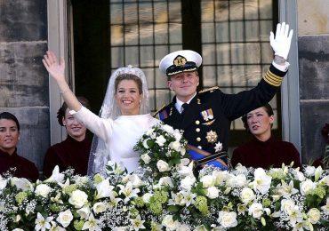 En febrero del 2002 tomó lugar una de las bodas más polémicas de la realeza holandesa. Guillermo y Máxima de Holanda dieron el 'acepto' en 2002.
