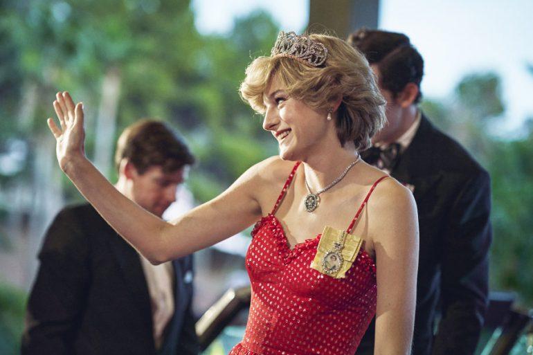 emma corrin the crown golden globes 2021