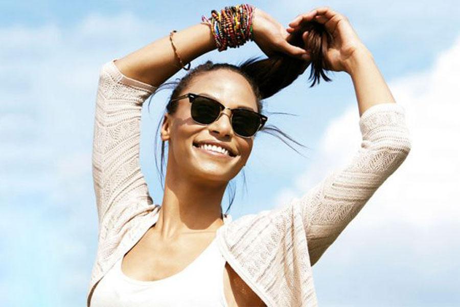 bienestar mujer feliz piel