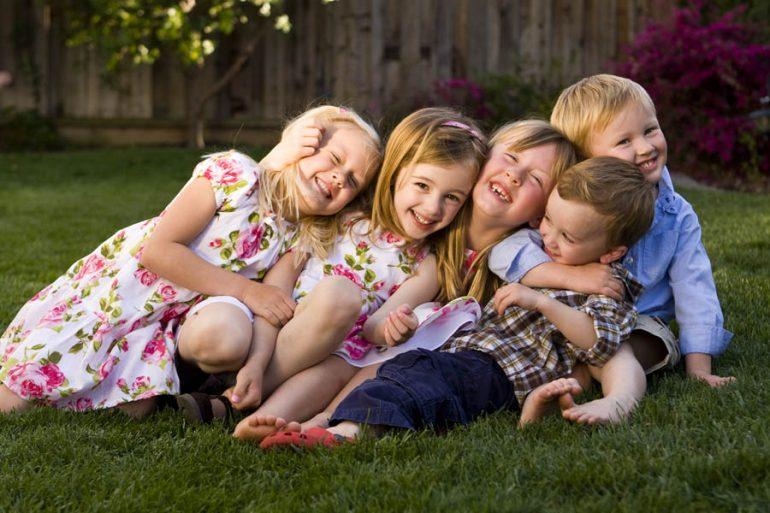 primos familia niños