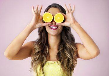 alimentos felicidad mujer comiendo sano