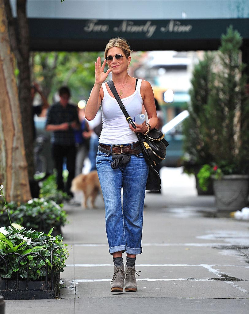 jeans según tu edad mujer jennifer aniston