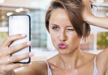 mujer inteligente redes sociales