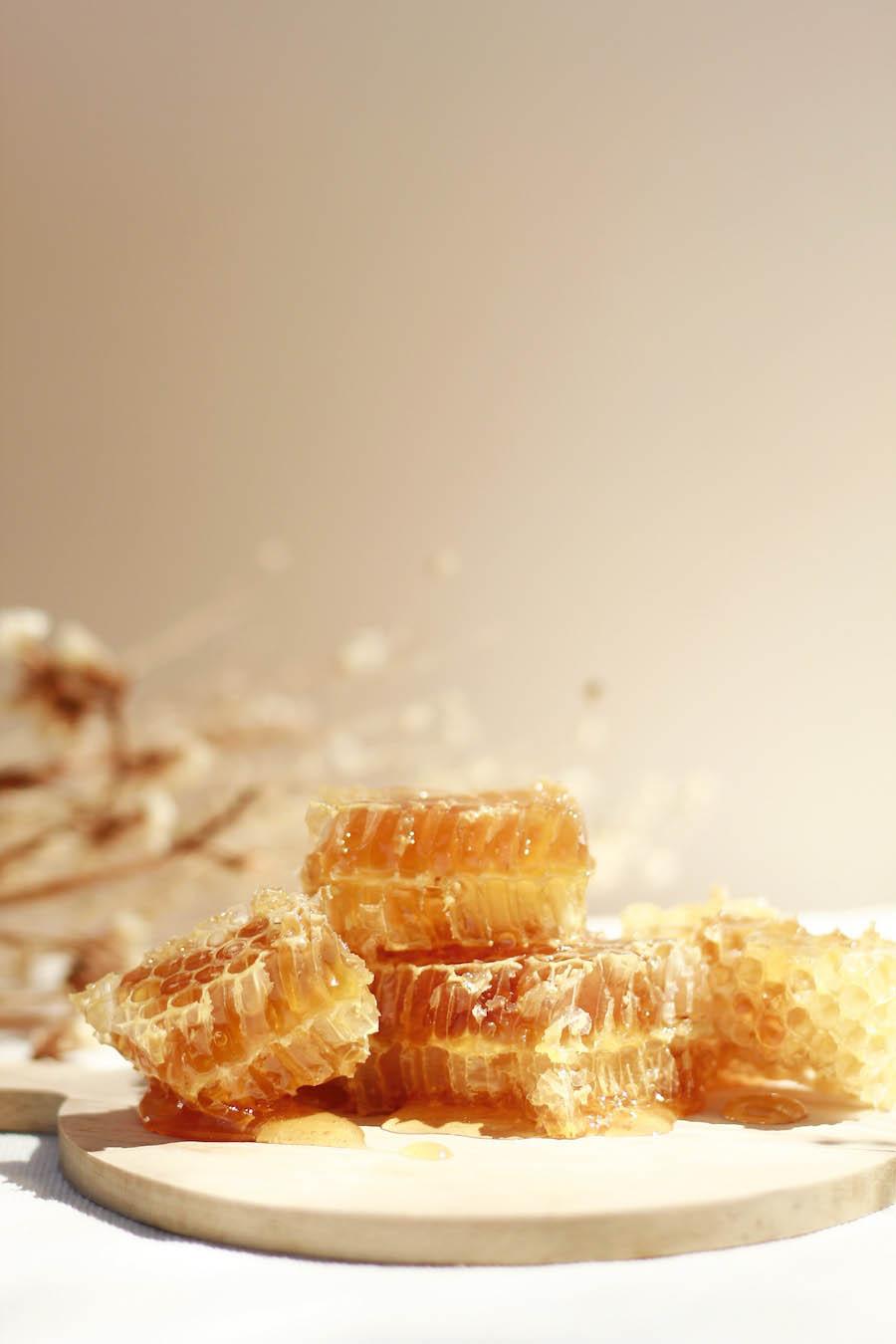 beneficios de la miel en la piel