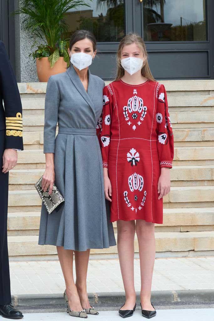 infanta sofía y reina letizia