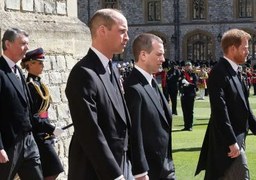 harry y william funeral felipe de edimburgo leen los labios