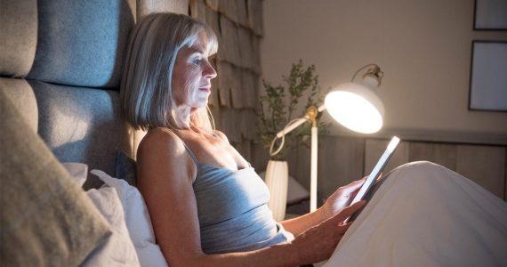 leer antes de dormir beneficios y consejos