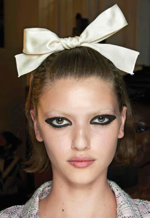 maquillaje y peinado primavera 2021