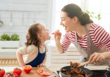 niños sanos frutas y verduras