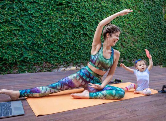 mamá fitness ejercicio en casa