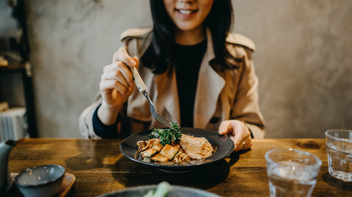 comer con amigos salud dieta