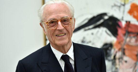 El duque de Baviera, a sus 87, hace historia con la primera foto de su novio