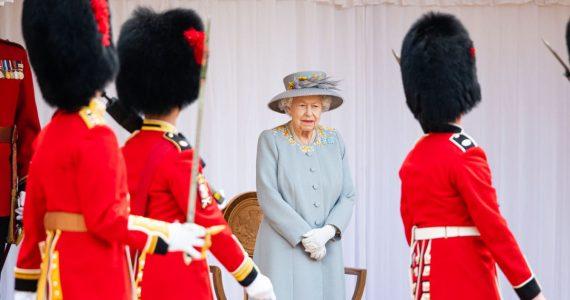 trooping the colour 2021 reina isabel i y duque de kent