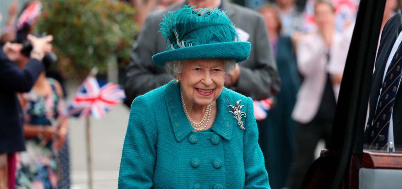 Las mejores fotos de la reina Isabel II caminando casualmente por las calles de Manchester