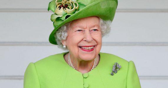 La reina Isabel II ya eligió ganador del diseño del Emblema para su Jubileo de Platino —¡y es un adolescente!