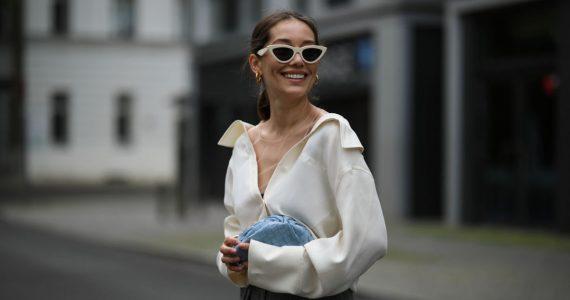 Outfits con camisa blanca que toda mujer de 30 y más debe usar para verse casual y estilizada